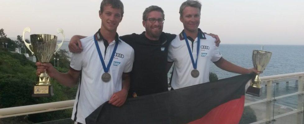 kl_Malte und Matti mit Trainer Hendrik Ismar