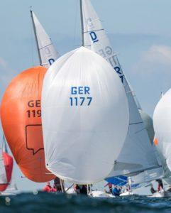 Warten auf Wind beim Dragon Grand Prix in Kühlungsborn